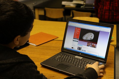 How to Teach Students to Evaluate the Quality of Online Information